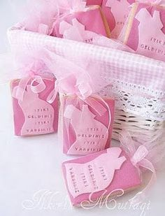 Baby shower inspiration/with additional baby shower gifts and ideas