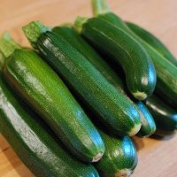 cukkini Allergies, Cucumber, Cooking Recipes, Vegetables, Food, Video, Bowls, Youtube, Canning Jars