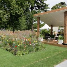 Contemporary country garden Contemporary country garden - Hampton Court Flower Show Hampton Court Flower Show, Rhs Hampton Court, Kids Outdoor Furniture, Garden Basket, Contemporary Garden, Chelsea Flower Show, Unique Gardens, Modern Country, Outdoor Living