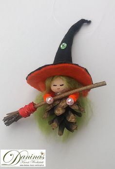 Make simple ✄ Simple Crafts. Fairy-tale character made of small pine cones. Handmade witch Hella by Christmas Crafts For Adults, Christmas Activities For Kids, Felt Crafts, Halloween Crafts, Holiday Crafts, Christmas Diy, Christmas Ornaments, Homemade Christmas, Pine Cone Art