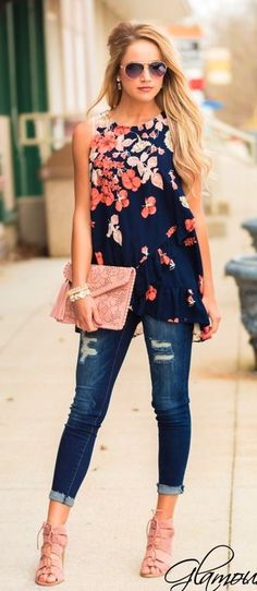 #summer #outfits Navy Floral Top + Ripped Skinny Jeans