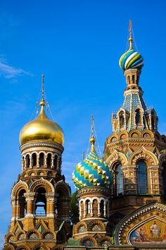 Russia - The Church of the Savior on Blood (Saint Petersburg, Russia) commemorates the spot where Tsar Alexander II was assassinated. It looks very alike the St. Basil's cathedral at Moscow which is one of the wellknown symbols of Russia. Photo: Constantine Zuev