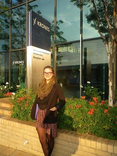 Eva Hanauer from Regensburg was an intern at Krones AG. For six months, she exchanged her place at university for a desk in South Africa. Business Management, South Africa, Meet, Shirt Dress, Casual, People, Shirts, Dresses, Style