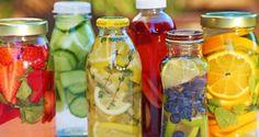 Concombre, citron vert, citron jaune Bienfaits : Combat la rétention d'eau, les ballonnements, contrôle l'appétit, hydratation le corps en profondeur, permet une meilleure digestion. Citron jaune, citron vert, orange Bienfaits : Permet une meilleure digestion, source de vitamine C, renforce les défenses immunitaires, et la guérison des brûlures d'estomac. (Buvez cette boisson à température ambiante).