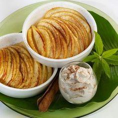 Découvrez la recette Tian de pommes miel-cannelle sur cuisineactuelle.fr.