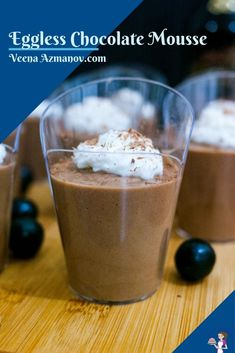 This eggless chocolate mousse is the next best thing to the classic mousse. Made with good quality chocolate, coffee, and whipped cream it is rich, creamy, light, and airy. #eggless #egglessmousse #chocolatemousse #chocolate #mousse #recipe #bestchocolatemousse #howtomousse