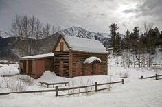 Winter Hiking in North America:  St. Vrain Glacier Trail, near Ward, Colorado, USA