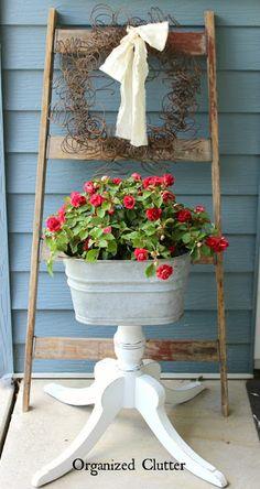 A Junk Garden Rusty Spring Wreath #junkgarden #gardenjunk #rustysprings #Rusticwreath #rusticgarden #galvanized