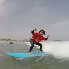 #Surfing y mucha #diversion este #verano con @lasantaprocenter en #Famara #lanzarote #islascanarias