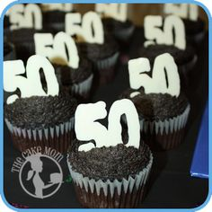 Would love to do this for my moms 50th, does anyone know what the 50 is made of ?