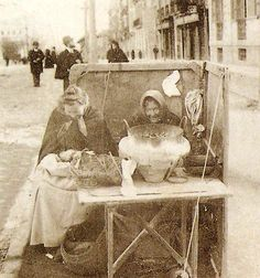 Las castañeras.  Año1901 Madrid