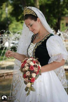 Hungarian traditional wedding dress Traditional Wedding Dresses, Traditional Outfits, Traditional Weddings, Wedding Wear, Wedding Gowns, Folklore, Hungarian Embroidery, Folk Fashion, Festival Outfits
