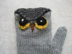Owl Mittens Free Knitting Pattern - more free owl knitting patterns at http://intheloopknitting.com/6-free-owl-knitting-patterns/