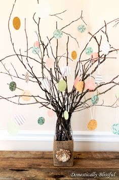 Thanksgiving Thankful Tree circles or leaf shapes for guests to write what they're thankful for! Thanksgiving Tree, Thanksgiving Decorations, Autumn Decorations, Christmas Tree Branches, Diy Christmas Tree, Fall Crafts, Crafts For Kids, Dyi Crafts, Bible Crafts