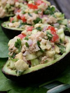 Light and delicious, this simple stuffed avocado salad is the perfect summer dish. A luscious combination of lump crabmeat, creamy avo. Healthy Snacks, Healthy Eating, Healthy Recipes, Delicious Recipes, Avocado Recipes, Salad Recipes, Easy Eat, Cancer Fighting Foods, Summer Dishes
