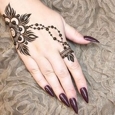 42 beautiful henna tattoo designs for women to try out - Henna Tattoo - Henna Designs Hand Henna Finger Tattoo, Tattoo Henna, Henna Mehndi, Finger Tattoos, Mehendi, Henna Art, Easy Mehndi, Mandala Tattoo, Wrist Henna