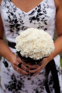 Wishing Well Flowers: Black and White Wedding