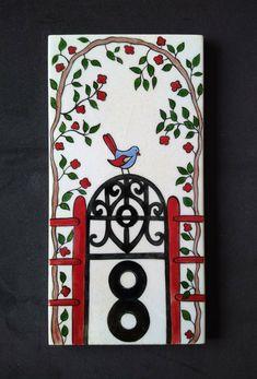 MUGECE - Çini tekniği ile 10x20 kapı numarası Ceramic Clay, Ceramic Painting, Address Plaque, Rock Crafts, House Numbers, Tile Design, Pottery Barn, Print Patterns, Doors