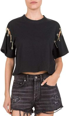 The Kooples Safety Pin Tee Women – Bloomingdale's The Kooples Safety Pin Tee Women – Bloomingdale's,moda The Kooples Safety Pin Tee Related Going Out Hairstyles You Need To Try - braidsbox braids Diy Fashion, Ideias Fashion, Fashion Outfits, Diy Clothing, Custom Clothes, Umgestaltete Shirts, Ripped Shirts, Jean Diy, Creation Couture