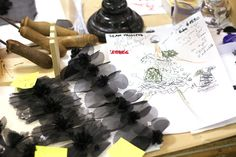 """""""HAND-MADE"""" FEATHER-CRAFTSMAN LEMARIÉ – Chanel News - Fashion news and behind the scene features"""