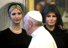 Melania Trump verandert van outfit en kapsel in volle vlucht... - Het Nieuwsblad: http://www.nieuwsblad.be/cnt/dmf20170524_02897210