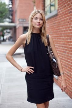 #MarthaHunt working a LBD #offduty.