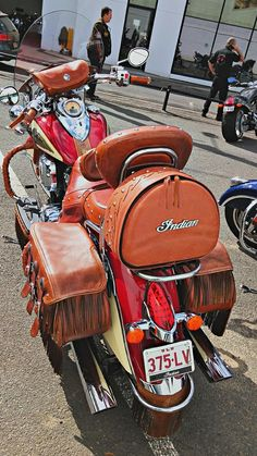 Custom leather' Vintage Indian Motorcycles, Vintage Bikes, Custom Motorcycles, Motorcycle Leather, Motorcycle Gear, Scooters, Indian Scout Sixty, Indian Cycle, Bike Rollers
