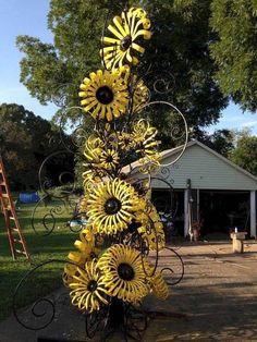 Metal Yard Art, Metal Tree Wall Art, Scrap Metal Art, Tin Can Flowers, Metal Flowers, Metal Garden Flower, Junk Art, Welding Art, Outdoor Art
