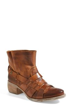 Leather Ankle Bootie (Women)