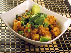 Quinoa Bowl with Spicy Peanut Sauce and Tempeh