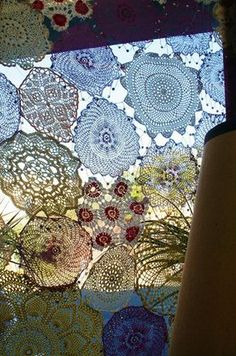 Le Monde est a Nous. Stitch doilies for window covering, table cloths, bed covers, etc. Crochet Curtains, Lace Curtains, Crochet Doilies, Lace Doilies, Drapery, Valance, Doily Art, Lace Art, Doilies Crafts
