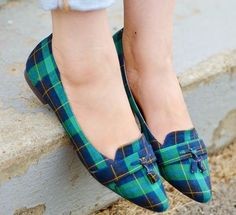I love these green plaid shoes! great with jeans!