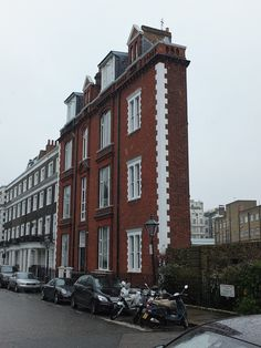 A house that's one room dep is nestled between a park and a tube station In Thurloe Square, Kensington, London.