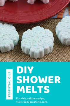 Feeling congested? These DIY peppermint shower steamers will help! Easy to make shower melts with essential oils and festive snowflake design. Great DIY gift idea, too! #diy #showermelts #peppermint #essentialoils #momlife #giftideas #essentialoil