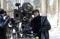 6 FILMMAKING TIPS FROM JOE WRIGHT || Image Source: https://33hpwq10j9luq8gl43e62q4e-wpengine.netdna-ssl.com/wp-content/uploads/2017/11/Joe-Wright-Filming-Hanna.jpg