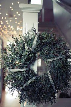 Holiday wreath  http://skiglari-norppa.blogspot.com