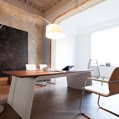 Serious work space envy/inspiration from Kinnarps Presentsho.- Serious work space envy/inspiration from Kinnarps Presentshop Serious work space envy/inspiration from Kinnarps Presentshop - Small Office Furniture, Executive Office Furniture, Modern Office Decor, Furniture Ideas, Office Table Design, Home Office Design, Office Designs, Bureau Design, Cabin Interior Design
