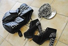 spikes and black