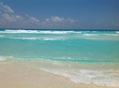 Check out the sea over here at Cancun!  Miren nada mas el mar de Cancun!  #cancunmexico   #luxurytravel   #sandoscancun