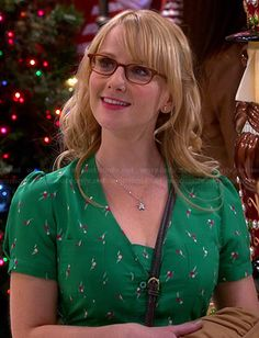 Bernadette's green Christmas dress on The Big Bang Theory.  Outfit Details: http://wornontv.net/42142/ #TheBigBangTheory