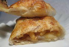 Fagottini di pasta sfoglia con mele al caramello