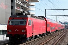 Trains and locomotive database and news portal about modern electric locomotives, made in Europe. Electric Locomotive, Bahn, Belle Photo, Europe, Photos, Swiss Railways, Modern, Trains, Switzerland