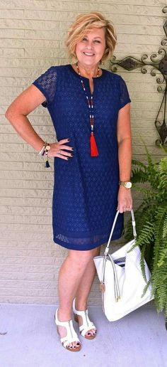 Simple lace dress with knock out accessories! This woman has style! #fashionable #outfits #accessories