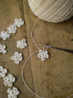 crocheting mini flowers