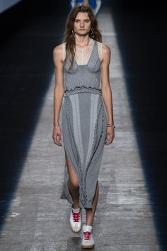 Alexander Wang Spring 2016 Ready-to-Wear Fashion Show - Olivia Jansing
