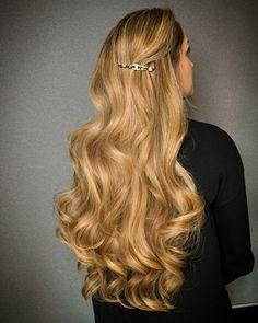 Honey blonde hair color & greatlenghts hairextensions Big Curls For Long Hair, Honey Blonde Hair Color, Top Stylist, Hair Extensions, Hair Care, Stylists, Long Hair Styles, Beauty, Beautiful