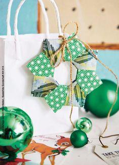 Die ersten Weihnachtsgeschenke für die Liebsten sind schon zuhause gut versteckt. Einige müssen noch in der Stadt besorgt werden. Aber wie werden sie verpackt und überreicht? Besondere Menschen verdienen eine besondere Verpackung.