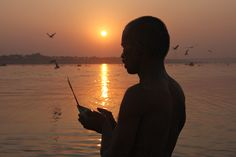 Tune into devotional music to accompany your Sunday Surya Namaskar! Rishikesh, Hindu India, Kumbh Mela, State Of Decay, Surya Namaskar, Three Rivers, Incredible India, Classical Music, Exercises