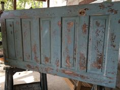 Making a Headboard from an Old Door Diy King Size Headboard, Headboard From Old Door, Door Headboards, How To Make Headboard, Headboard Ideas, Shiplap Headboard, Headboard Designs, Guest Bedroom Decor, Bedroom Ideas