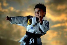 Karateca de seis anos é o mais jovem a se tornar faixa preta segundo dan